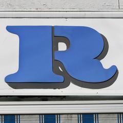 letter R (Leo Reynolds) Tags: canon eos r letter rrr oneletter 30d 70mm iso250 f140 hpexif 0002sec grouponeletter letterblue xsquarex xleol30x