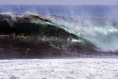 manzanillo (Daniela Caram) Tags: blue sea beach del mexico surf waves tubes playa swell explosive colima manzanillo oro
