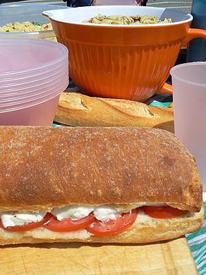 sandwich et pot orange.jpg