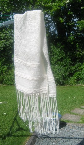 A stole made from Frekkie 09 singles as warp and weft