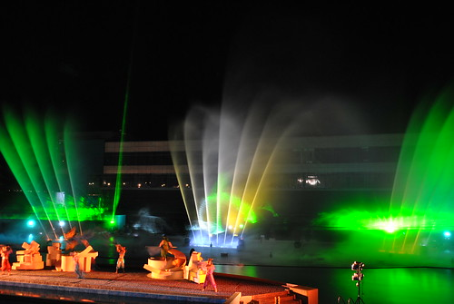 manila_laser_watershow