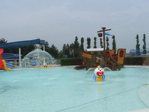 Crema, piscina bambini Centro Natatorio Bellini