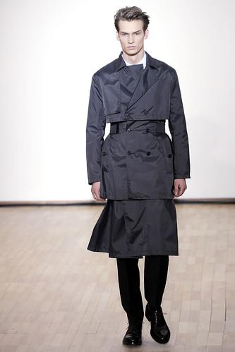 Philipp Bierbaum3104_FW10_Paris_Raf Simons(VOGUE.com)