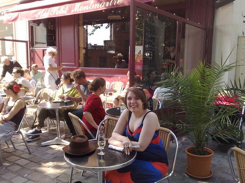 Outside Au Petit Montmartre, Place des Abbesses