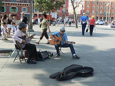 musique sur la place Massena.jpg