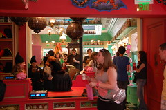 Looking into Honeydukes from Zonko's (Orlando Rob) Tags: candy chocolate harrypotter sugar jokes chocolatefrog islandsofadventure universalorlando hogsmead thelostcontinent bertiebottseveryflavorbeans honeydukes zonkos thewizzardingworldofharrypotter