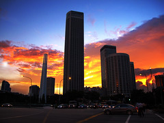 Singapore - 80 (Daniel Y. Go) Tags: travel family sunset vacation canon landscape twilight singapore asia dusk philippines ps fairmonthotel g11 swissotelthestamford canong11 powershotg11 gettyimagesphilippinesq1