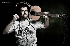 César Rodríguez (Tonymadrid Photography) Tags: guitarra cantautor cuerdas musico clavija cesarrodriguez