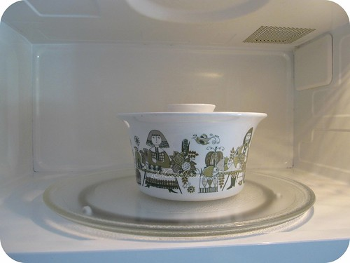 clean microwave, pretty dish