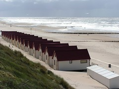 Domburg - A stormy summer day (Osthollnder) Tags: summer storm beach netherlands strand day waves sommer zeeland northsea nordsee mondrian niederlande wellen sturm domburg