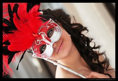 PHOTOGRAPHE MARIAGE : Mask in Venise (Sebastien LABAN) Tags: wedding red portrait white color cute love girl face composition hair hotel eyes cotedazur dress room young ceremony monastery mariage shoulder venise glance 83 var sud photographe straphael saintraphael culte haircutlook freijus