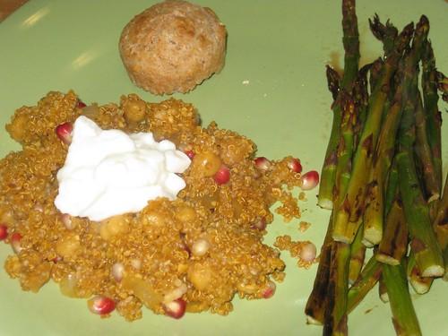 Quinoa mix, muffin, asparagus