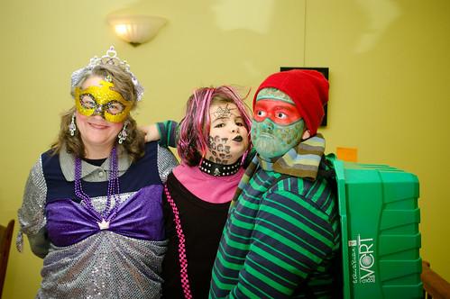 Tante Diane, Émilie punk et Pierre-Louis turtle