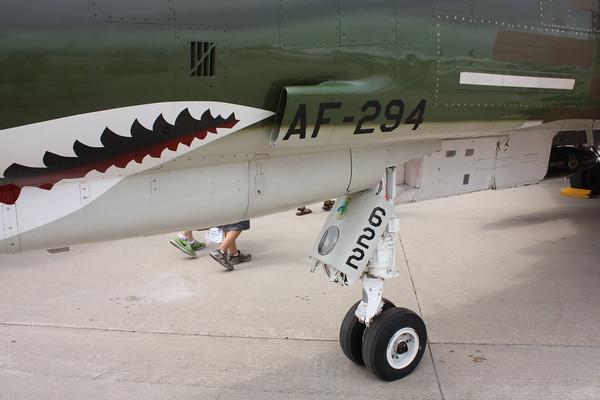 EAA10_F-4E_03