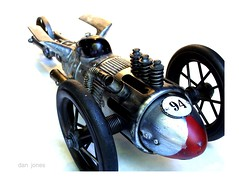 Troika Bullet (Tinkerbots) Tags: auto sculpture make vintage assemblage machine scifi imagine comicon steampunk danjones sandiegointernationalautoshow tinkerbots troikabullet