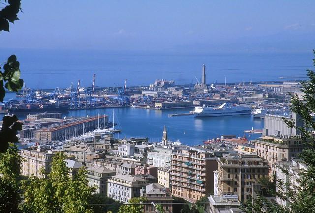 Genova: panorama sul porto