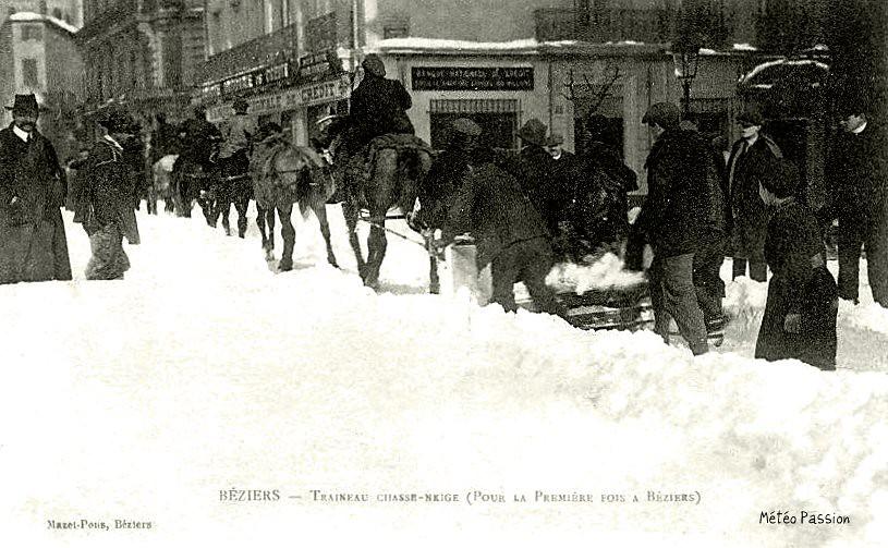 chasse-neige dans les rue de Béziers en janvier 1914