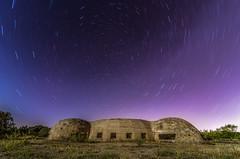 El bunker. (Amparo Hervella) Tags: colmenardelarroyo madrid españa spain bunker paisaje circumpolar estrella noche nocturna largaexposición d7000 nikon nikond7000 comunidadespañola
