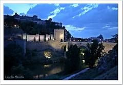 Nubes sobre Toledo (Lourdes S.C.) Tags: nwn nubes cielo nocturna puentes puentedealcántara toledo castillalamancha