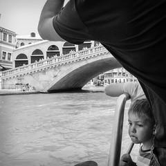 35i0617 (photo & life) Tags: venise italia italie city ville europe street streetphotography jfl photography photolife™ fujifilm fujinon fujifilmxpro2 fujinonxf14mmf28r 14mm blackandwhite noiretblanc humanistphotography squareformat squarephotography