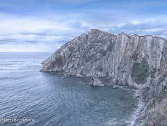 15 01 09 15 01 09 DSCF2626 (jmacirez13) Tags: asturias cudillero españa playadelsilencio acantilado cantábrico naturaleza nature mar horizonte geografía