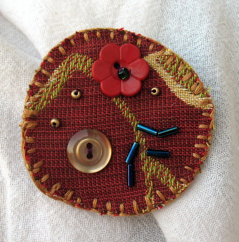 12/09 - Christmas-gift pins