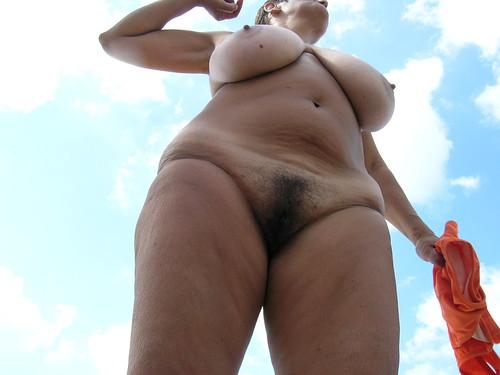free topless beach video voyeur clips pics: nudebeach