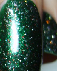 FP Evergreen Dream topped with Ulta After party (ballekarina) Tags: nailpolish fingerpaints evergreendream ultaafterparty