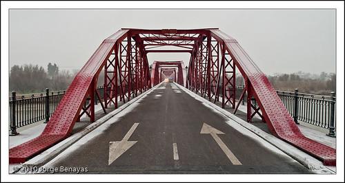 Puente rojo I