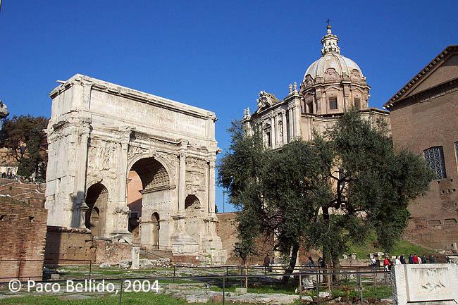 Foro romano y arco de Septimio Severo. © Paco Bellido, 2004