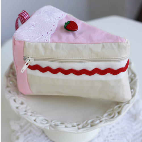 strawberry cake purse