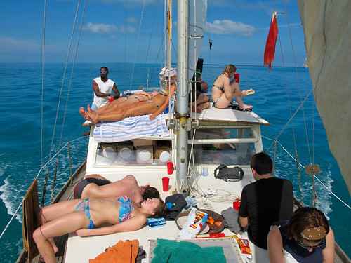 Raggamuffin Tour - Everyone relaxing on the Sailboat