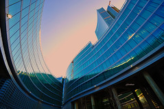 Milano - Ardite Geometrie (G.hostbuster (Gigi)) Tags: sky milan colors lines reflections milano curves cielo curve colori ri