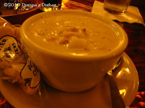 The Lobster Barn, York, Maine: Clam Chowder