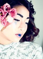 [フリー画像] [人物写真] [女性ポートレイト] [アジア女性] [花飾り]       [フリー素材]