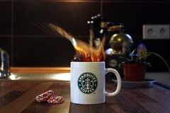 starbucks splash (donchris!) Tags: cup tasse coffee caf keks cookie kaffee biscuit starbucks splash caff copa kawa spritzer spruzzo ciastko salpicaduras filianka claboussure odpryskw