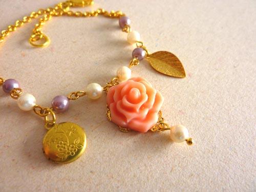 Bracelet. Time for Spring.