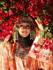 Yemeni Bride (Khalid Alkainaey  ) Tags: life travel people woman tourism girl beauty face photography bride image muslim islam picture middleeast hijab arab yemen sanaa  yemeni yaman     ymen   jemen  arabiafelix      arabianpeninsula iemen           yemenphotos     republicofyemen     yemenpicture unisco    lifeandpeople  khalidalkainaey  yemeniamagazine   traditionalcostumeofyemen yemenimages  inyemen