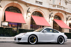 (GstarAnto) Tags: white black paris france classic sport canon french grey tour 911 eiffel photograph german porsche 1750 anthony 28 mm rim rims supercar fuchs supercars montaigne anto 997 munoz antho fuch 40d gstaranto khariboo