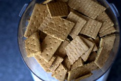 graham crackers to be ground