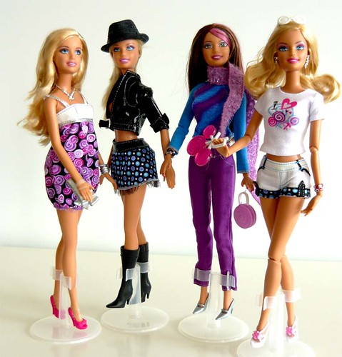 Barbie Fashion Set de 4 combinaciones ; Fashion set of 4