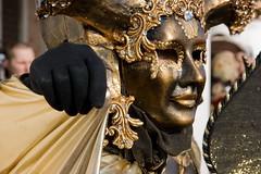 la mano nera! (gufino (out for awhile)) Tags: italia mano venezia nera oro maschere veneto travestimento carnevale2010