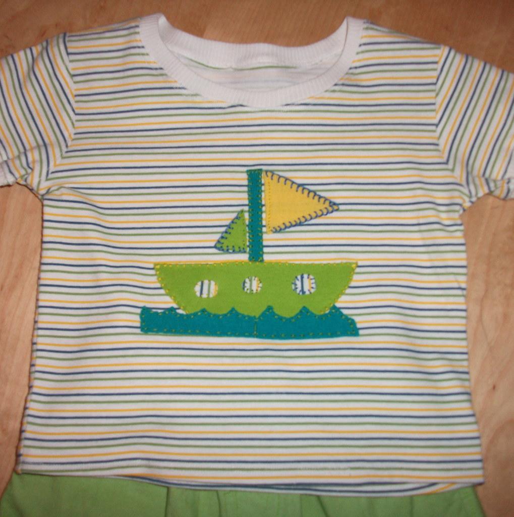 Baby t-shirt applique