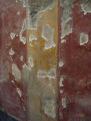 example of a wall decoration - Pompeii (jjamv) Tags: travel italy texture archaeology volcano earthquake ancient ruins europe italia campania roman unescoworldheritagesite unesco tragedy pompeii napoli naples vesuvius vesuvio archeology italie romanempire 79ad eruption pompei napels terremoto archeologia historicalplaces scavi vesuvianarchaeology archaeologytravelphotos julioclaudianartromanportraitureandcoins julioclaudiandynasty anticando historyantiquities 79dc historicalandarchitecturalgems historymysterysociety 62dc 24august79ad jjamv juliusvloothuis