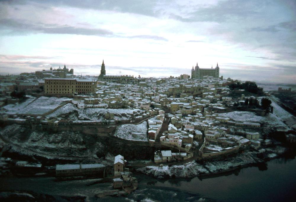 Vista general de de Toledo nevado en 1967. Fotografía de John Fyfe