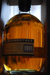 141/365 - Single Malt ( Stormchild) Tags: glass vintage bottle refraction whisky 1991 scotch 365 singlemalt project365 theglenrothes