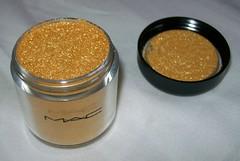 MAC Golden Lemon Pigment