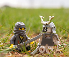 so, we'll call it a draw? (Johnson Cameraface) Tags: macro lens skeleton toy spring fight lego ninja may olympus tired samurai kit minifig zuiko sengoku hanzo 2010 oly 1442mm e620
