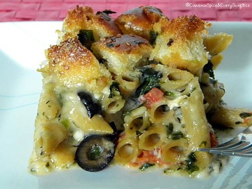 Macaroni & Cheese with Brie and a Garlic Bread Topping