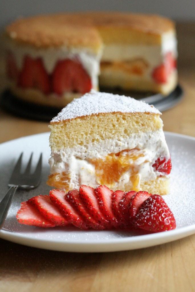 Gâteau fourré aux fruits & à la mousse de yaourt